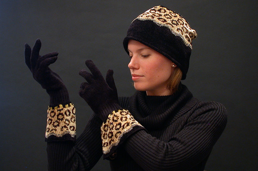 Robin Bergman: Chenille Smoke Rings Hat & Gloves | Rendezvous Gallery
