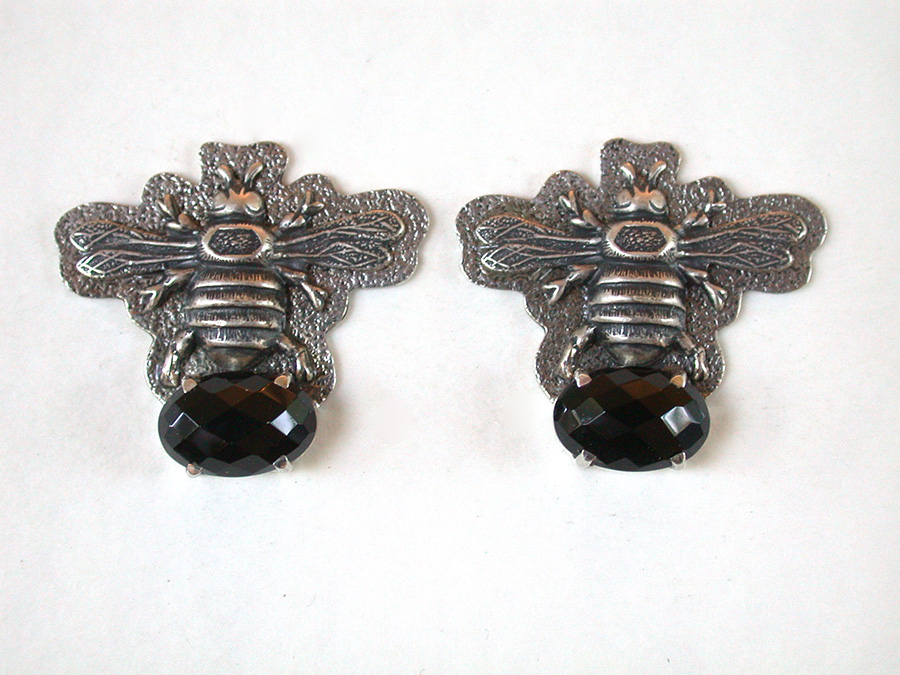 Amy Kahn Russell Online Trunk Show: Sterling Silver & Black Onyx Clip Earrings | Rendezvous Gallery