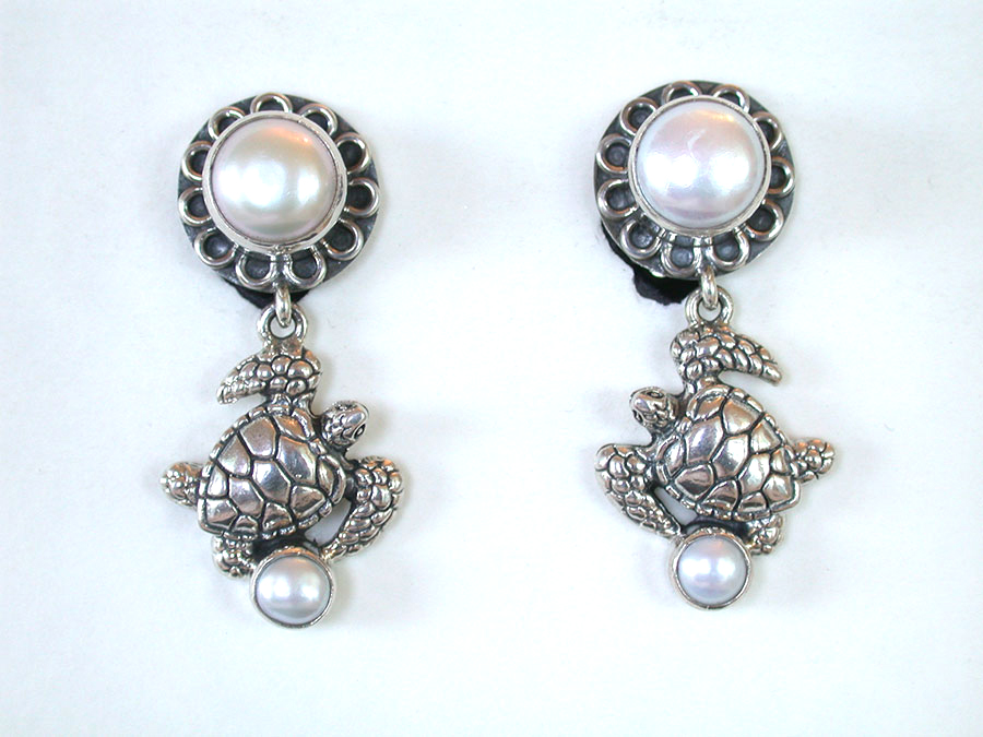 Amy Kahn Russell Online Trunk Show: Freshwater Pearl & Sterling Silver Clip Earrings | Rendezvous Gallery
