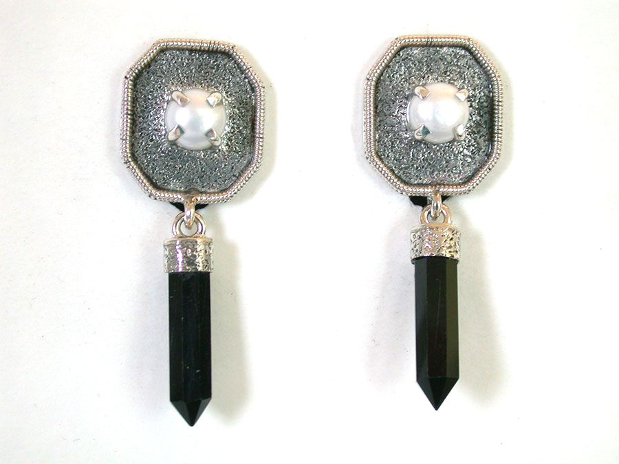 Amy Kahn Russell Online Trunk Show: Freshwater Pearl & Black Onyx Clip Earrings | Rendezvous Gallery
