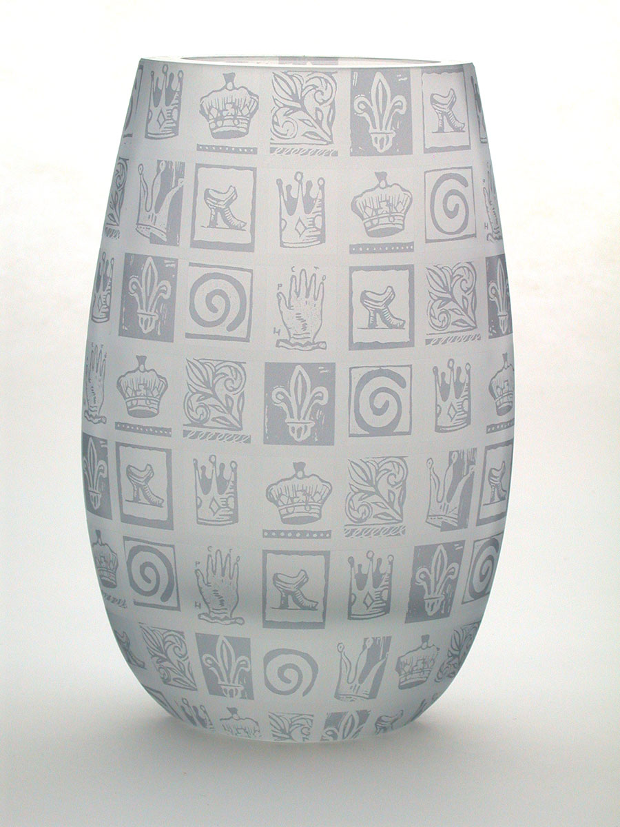 Penelope Wurr: Crown Oval Vase | Rendezvous Gallery